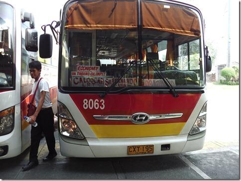 マロロス経由のバス