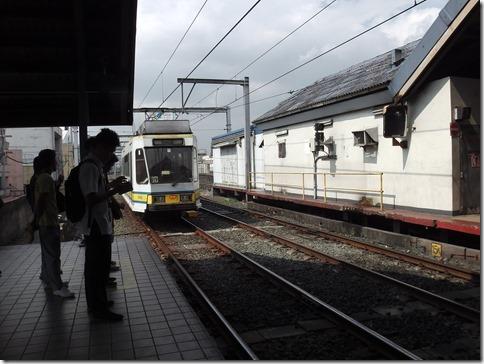 LRT1モニュメント駅